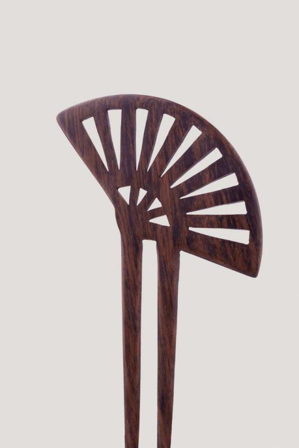palo para el pelo doble tipo peineta de madera forma abanico japonés