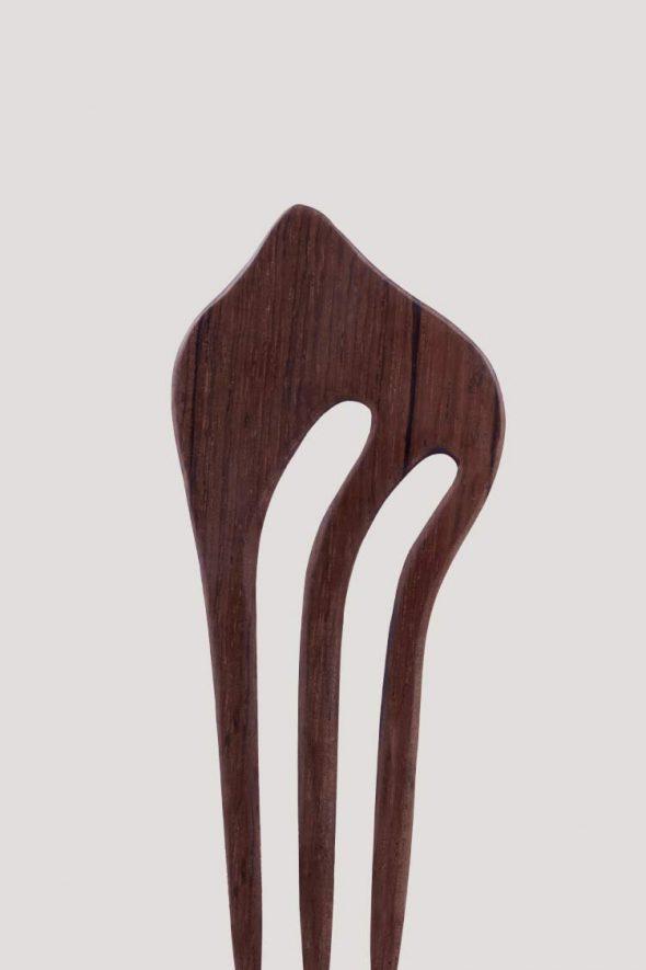 gancho triple de madera