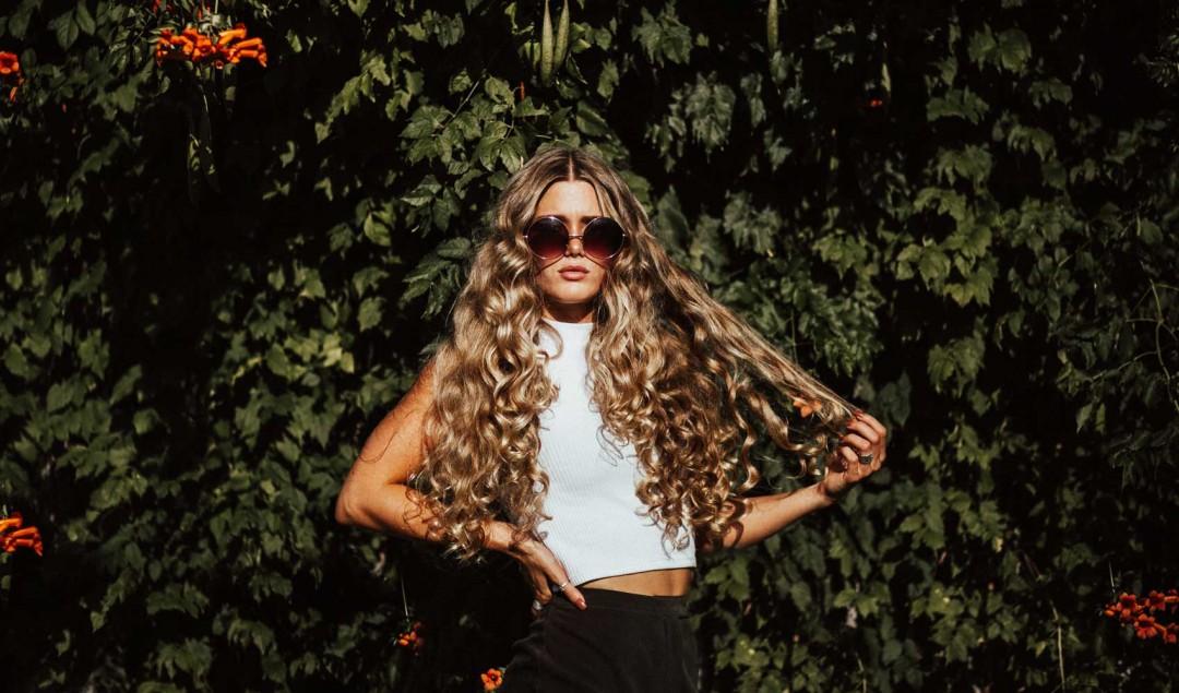 todos los tipos de cabello son aptos para recogerse el cabello con un palo o gancho